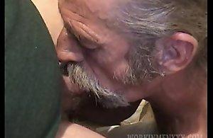 Mature Amateur Scooter Jacking Off