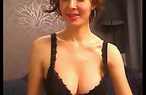 Sexy Mature Babe With Nice Cleavage -..