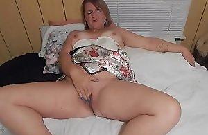 Hefty adult wife masturbating