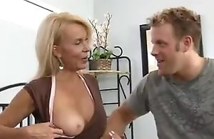 Mature cougar excited there get fucked