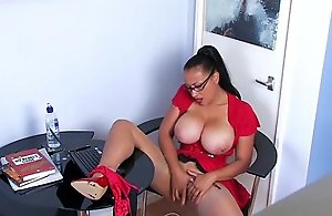Mature office babe rubs her pussy on bring..