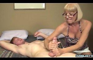 Mature amateur lady spastic off hard strapon