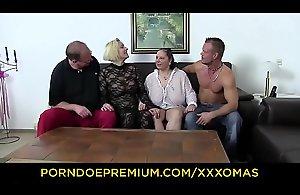 XXX OMAS - Fetish foursome with super..