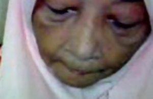 Malaysian granny orall-service sex