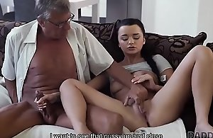 DADDY4K. Dad takes part in self-acting..