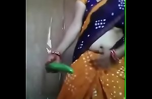 Desi aunty carrying-on thither cucumber