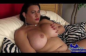 Mature wanking tgirl pleasures her dick