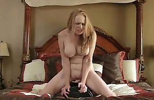 Sex machine makes bigtit mommy jizz so hard
