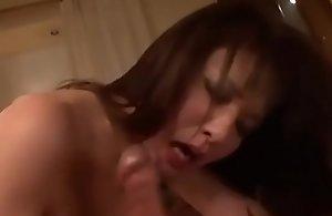 Asiatisch japanische Mutter bekommt..