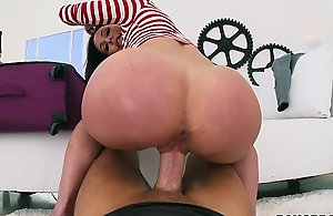 Shagging kendra dream from behind pov