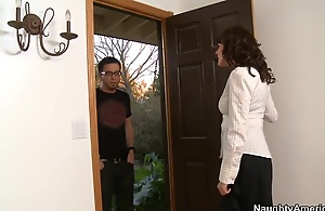 Dane goes to Billy's mom to talk... and she can..