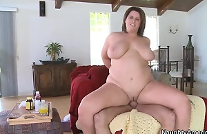 Fatty Lisa Sparxxx pleases younger guy..