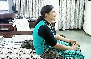Mature arab couple makes a sextape in..