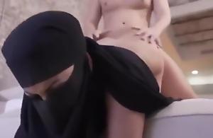 Sex Veiled Gulf Arab Wife Dear one Hard سكس..