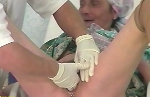 85 years old mom fisted by the brush bastardize