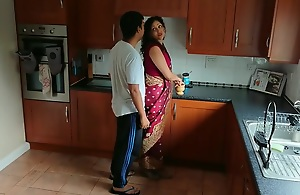Indian red saree Bhabhi caught..