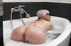 my stepmom first naked bathtub video