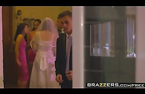Brazzers - Mommys in control - (Chris..
