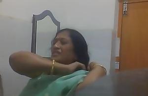 Indian Bengali Milf Aunty Changing..