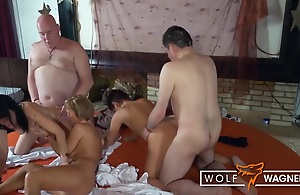 Hot Swinger Partywith Granniesand..