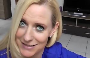 Blue eyed HOT MOM fucking
