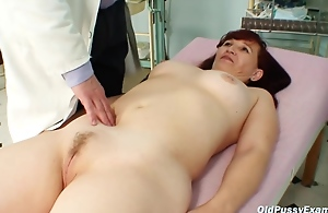 Czech Mature Is Moaning While Her..