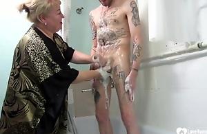 Blondie Stepmom Jerks And Buns Her..