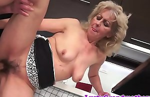 Good-looking euro mature gets her pussy screwed