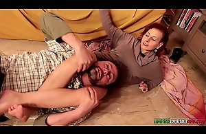 Amanda VS Ale - Mature Headscissor..