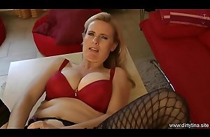 Mommy fucks herself - Horny Housewife