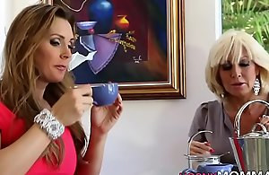 Old stepmom lesbo disjointed