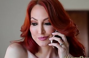 Redhead stepmom fingerblasted by her stepdaughter