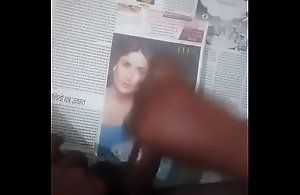 Cumtribut in Kareena facet with audio